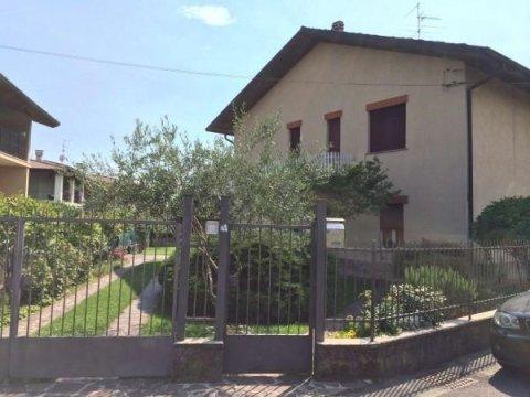 Casa indipendente via Bornico 4, Palazzolo Sull
