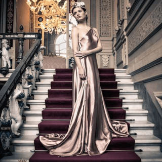 Modella Vestito Rosa Cipria