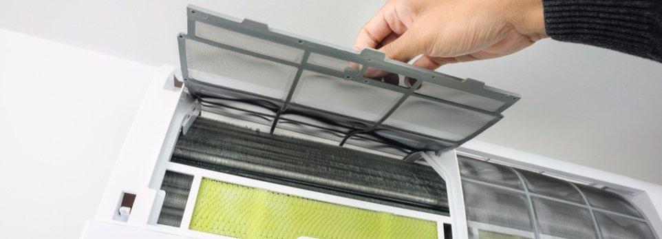 pulitura filtri di un impianto di condizionamento