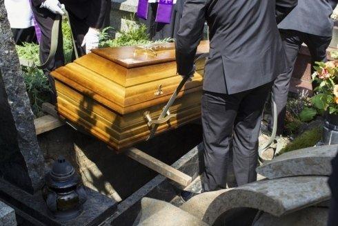 inumazioni; pratiche cimiteriali; pubblicazione necrologi ed affissione avvisi di lutto