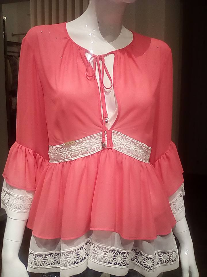 maglia rosa con i laccetti