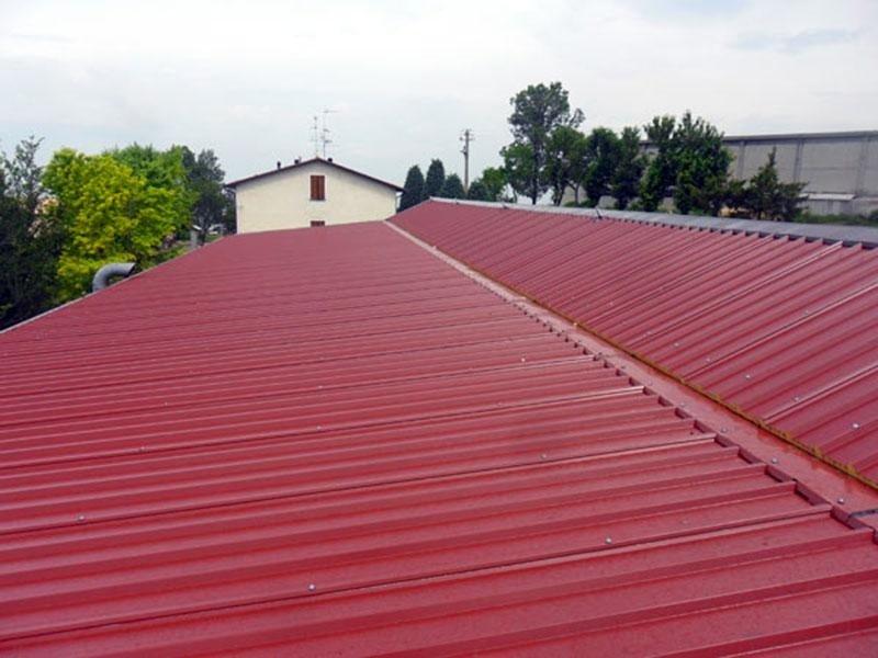 Posa isolanti termici per capannoni industriali