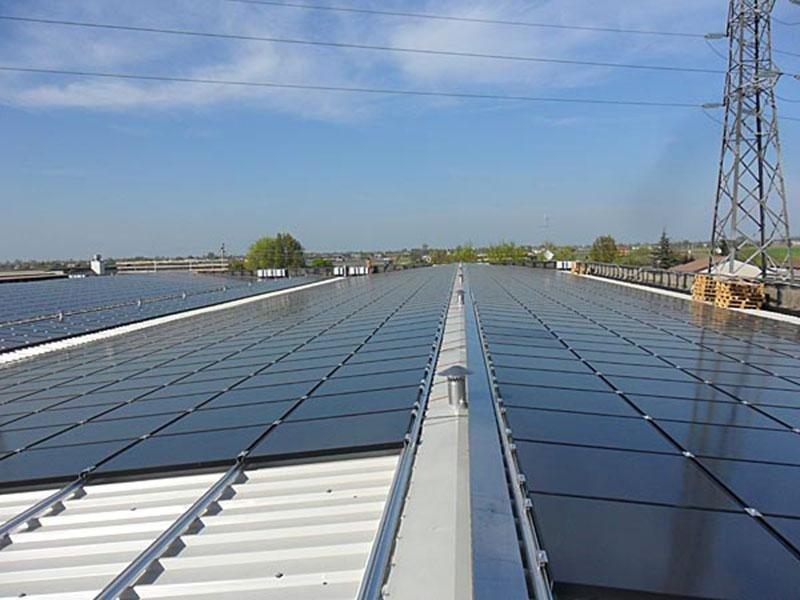 Installazione pannelli fotovoltaici su tetti