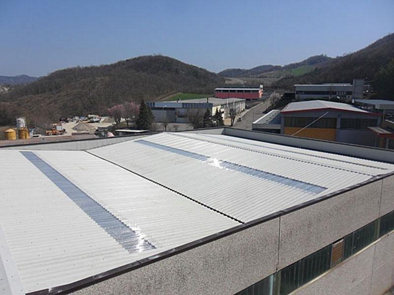 Costruzione tetti metallici per magazzini