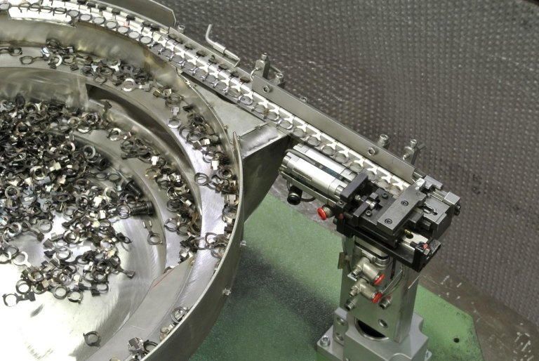 electromechanical feeders