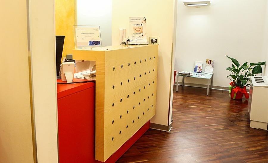 reception del centro dentistico