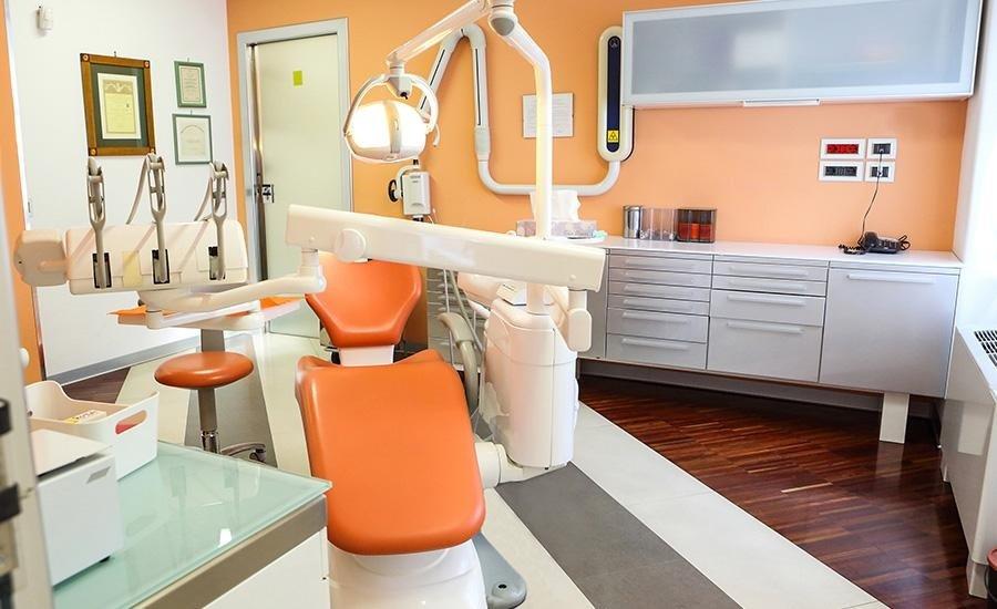 poltrona dell'ambulatorio odontoiatrico