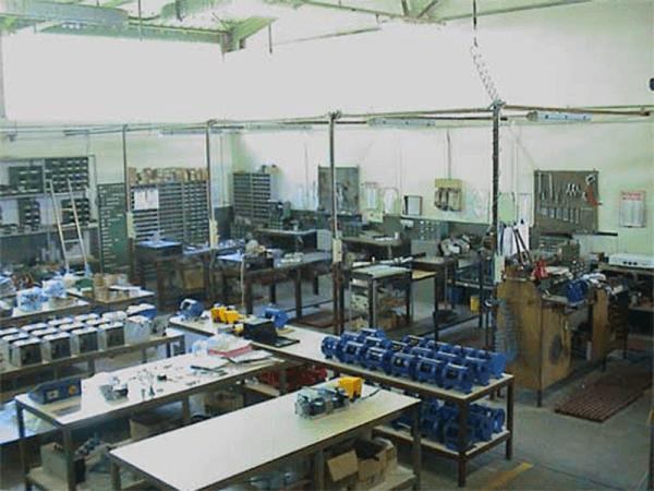 Produzione macchine per radiali