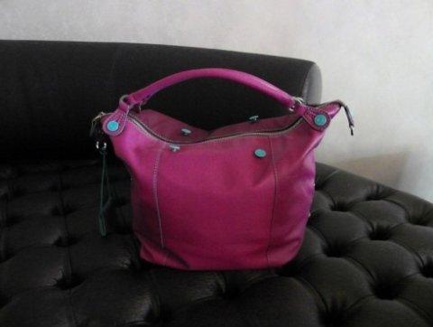 borsa di colore viola