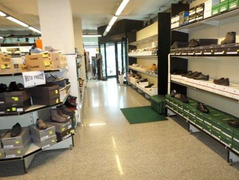vendita calzature e abbigliamento sportivo ascoli piceno