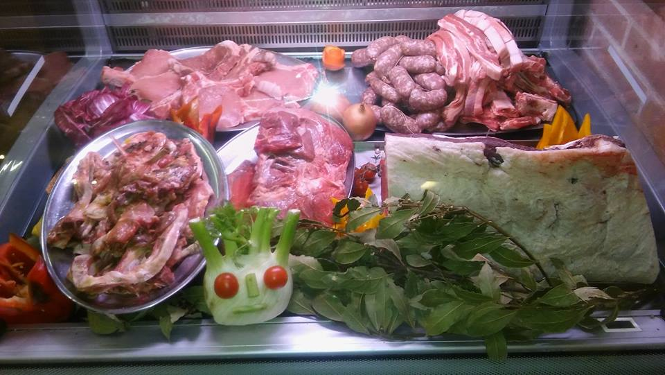 Salsiccia e carne fresca