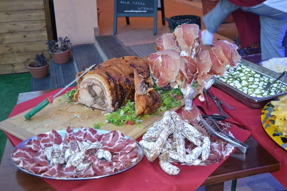 Carne fresca e salami all'osteria CicceBombo a Perugia