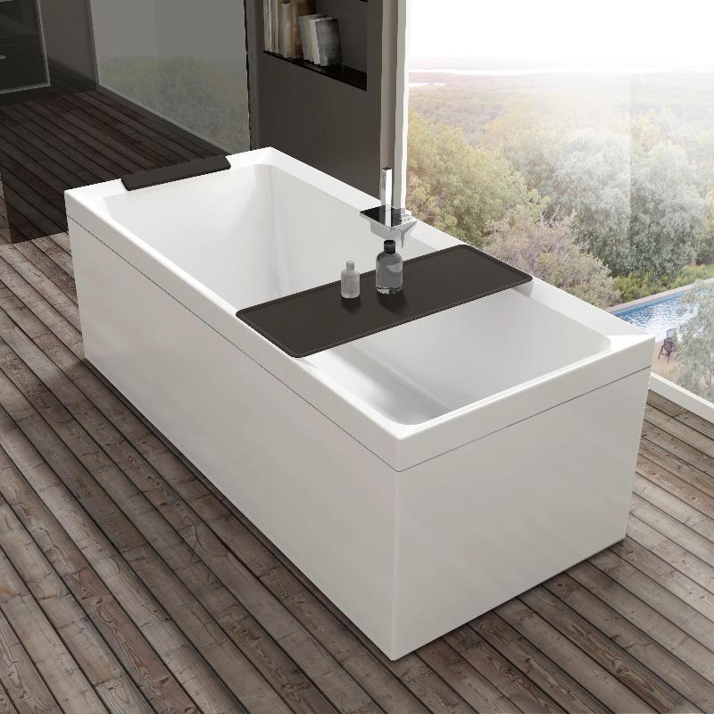 vasca da bagno e parquet