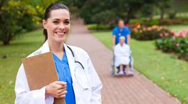 assistenza medica per anziani