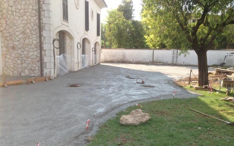 cementificazione esterno edificio