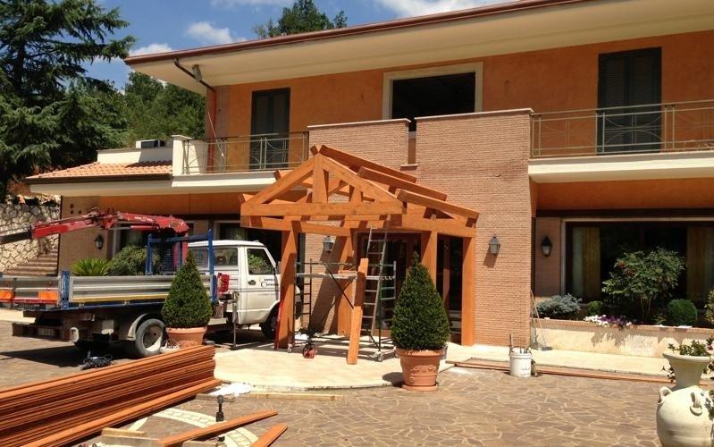 realizzazione portico edificio