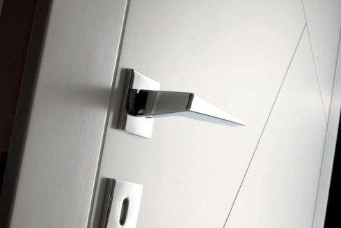 Dettaglio di una porta in alluminio.