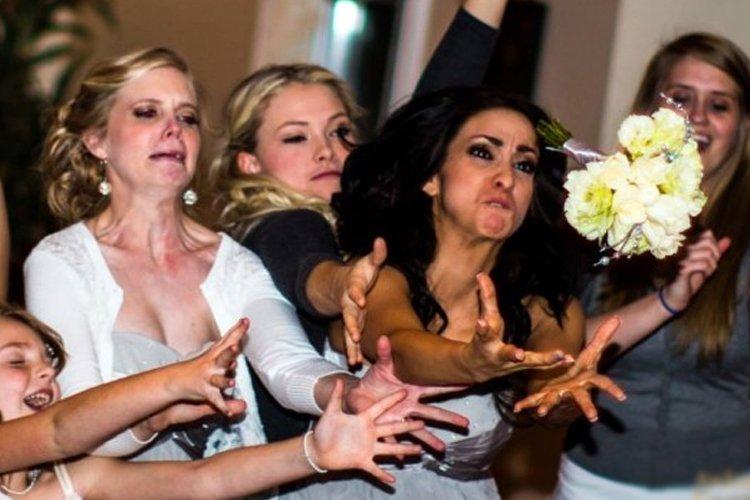 KC Wedding DJ KC Mobile DJ Photographer Notices about your dj bouquet toss