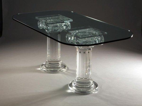 tavolo con colonne