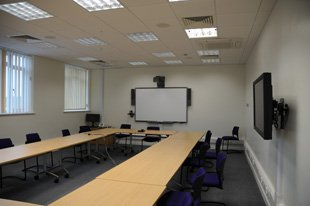 Local builders - Witney, Oxfordshire - D.H Building Services (Oxford) Ltd - Meeting Room
