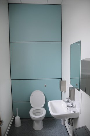 Barn conversions - Witney, Oxfordshire - D.H Building Services (Oxford) Ltd - Toilets