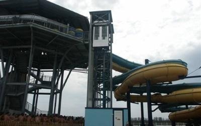 ascensore parco giochi