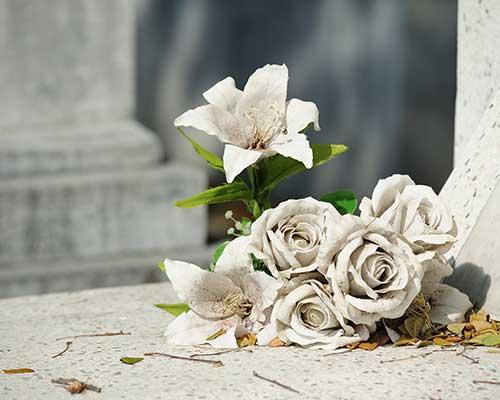 composizioni di fiori bianchi
