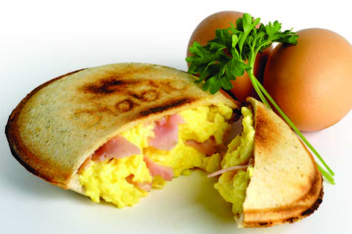 Scrambled eggs and ham in pita