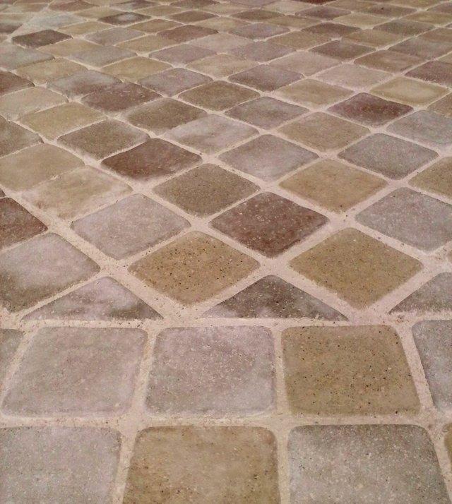 Prefabbricati ornamentali veglie le lanciano manufatti - Piastrelle in cemento per esterno carrabili ...