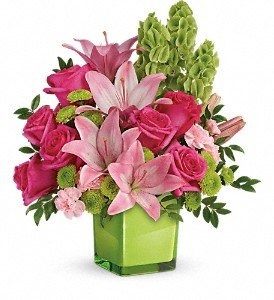 Teleflora's In Love With Lime Bouquet Premium