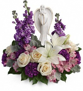 Teleflora Beautiful Heart Bouquet deluxe Buffalo, NY