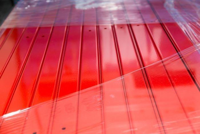 plastica verniciata in rosso