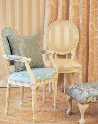 chair re-upholsterers