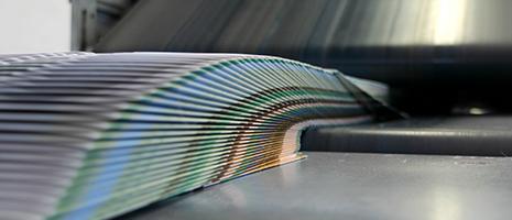 Dei volantini disposti a libro aperto