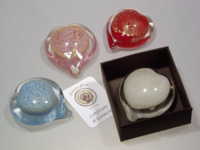 Murano glass paperweight favours with certificate