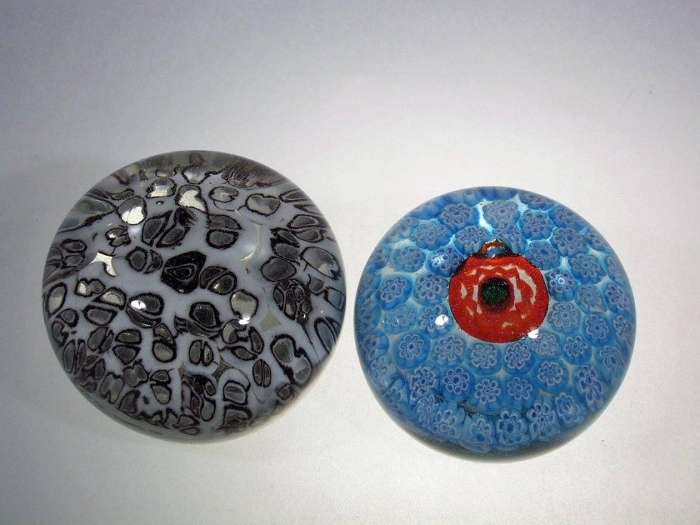 maxi glass paperweights for a wonderful gift