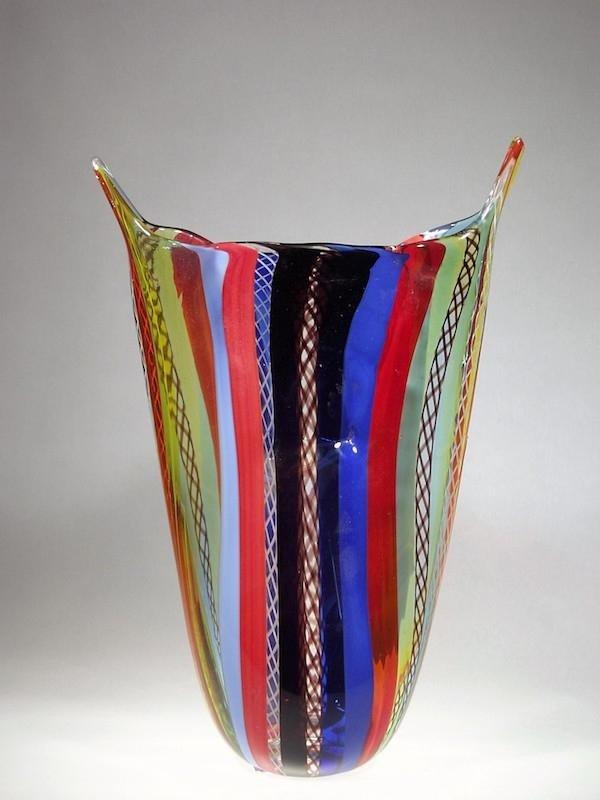 Lavorazione artistica vaso vetro murano colorato