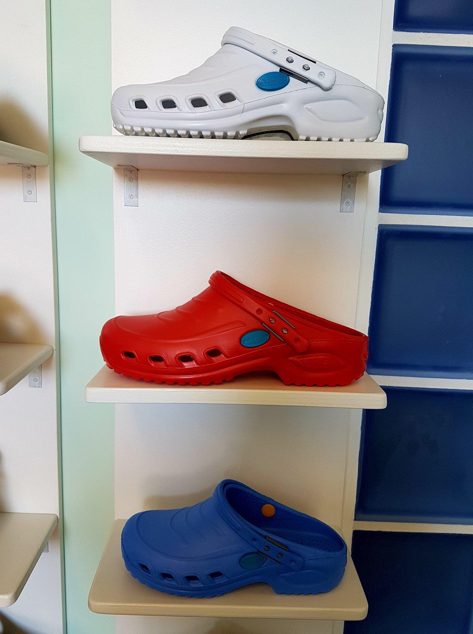 espositore scarpe tecniche