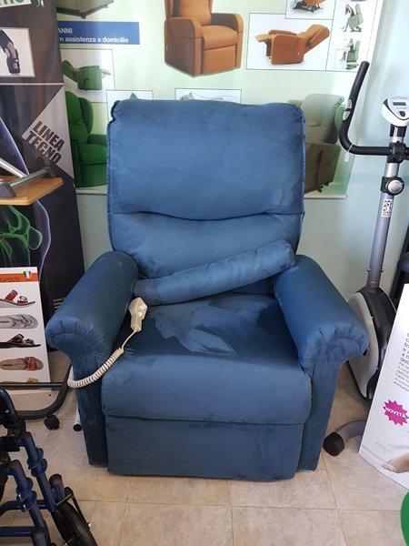 Poltrona da massaggio azzurro