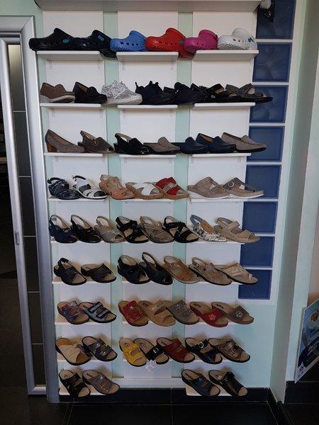 vetrina scarpe