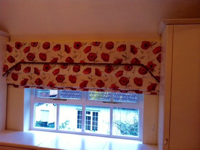 Curtains with poppy pattern