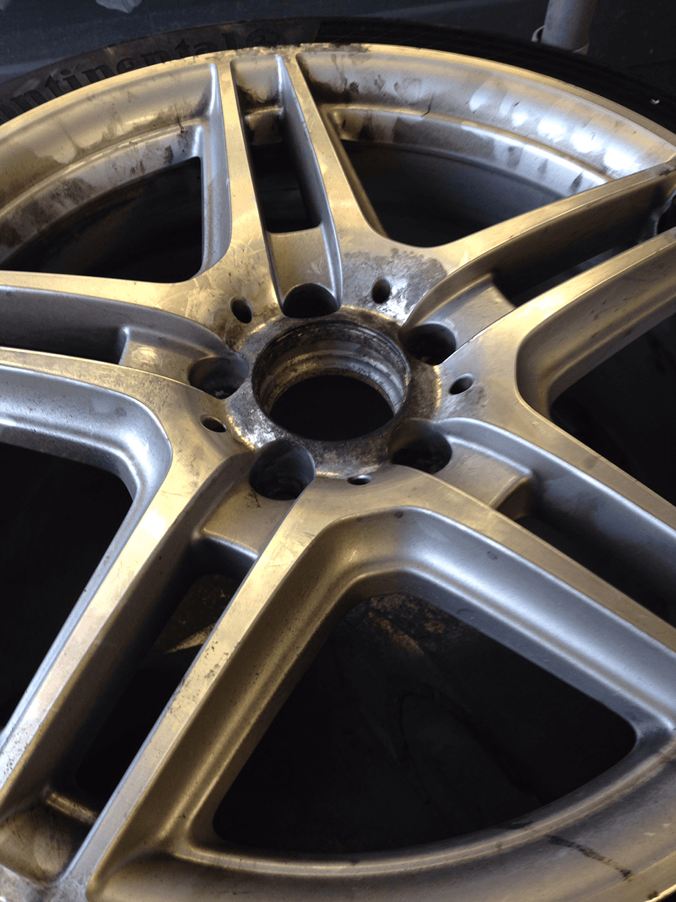 alloy wheel fitting