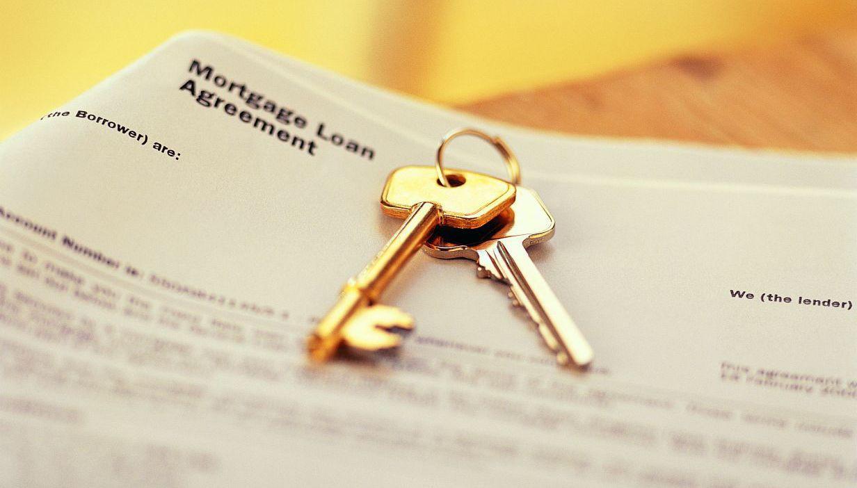 mortgage loan agreement and keys