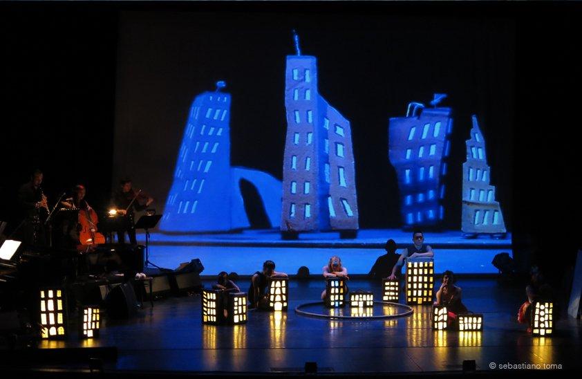 Little Big World, Sebastiano Toma, Zeitgenössischer Circus, Cirque Nouveau, Contemporary Circus, Leilani Franco, Cristiana Casadio, Stefan Sing, Mark Chaet, Momo Kohlschmidt, Tiger Lillies,