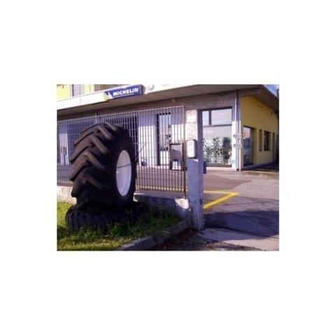pneumatici per autoveicoli, pneumatici per fuoristrada, pneumatici per motocicli