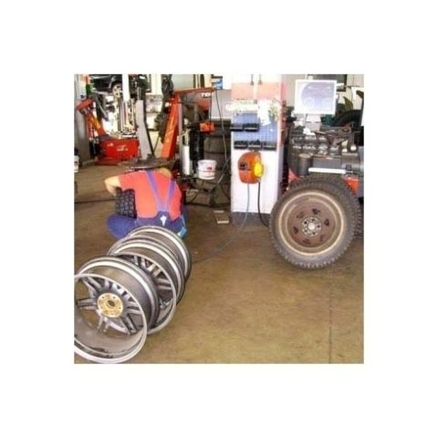 sostituzione di pneumatici, verniciatura cerchi lega, riparazione cerchi lega, ruote estive
