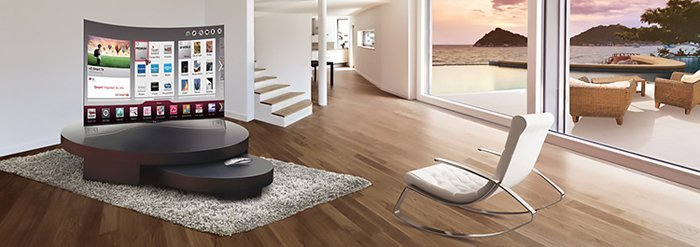 Living room con smart tv curva