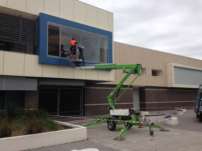 glass installation with lift