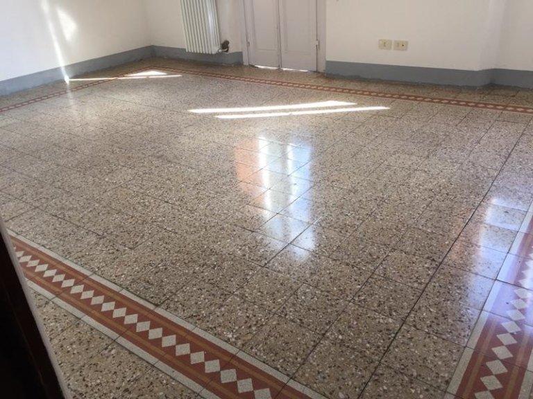 cristallizzazione e microlevigatura pavimento in graniglia