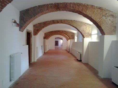 pulizia pavimento  in edificio storico dopo